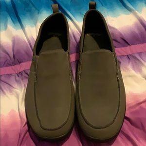 Men's slip in van type shoes